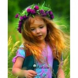 Картина за рисуване по номера - Момиченце тича в полето